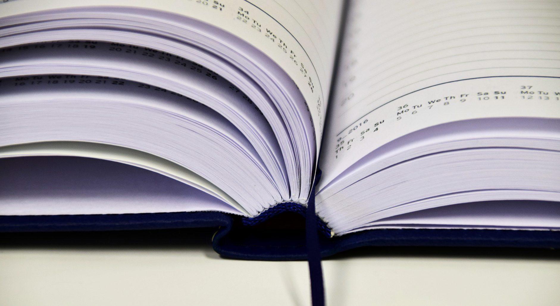 book-1945515_1920.jpg